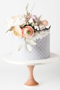 Amazing Wedding Cake Designers We Totally Love ❤️ See more: http://www.weddingforward.com/wedding-cake-designers/ #weddings