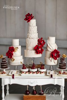 So Incredibly Pretty Wedding Cakes - Cake: TRUFFLE CAKE & PASTRY; Photo: Visual Cravings; Via wedluxe