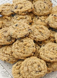 Oatmeal Raisin Cookies that truly are the BEST EVER! Oatmeal, raisins, pudding mix & spices combine in most delicious, soft & chewy Oatmeal Raisin Cookies. Best Oatmeal Raisin Cookies, Oatmeal Cookie Recipes, Just Desserts, Delicious Desserts, Yummy Food, Yummy Treats, Oatmeal Raisins, Chocolate Orange Cookies, Pudding Cookies