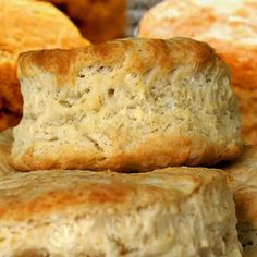 Baking powder biscuits made by this recipe are so far ahead of ordinary baking… Retro Recipes, Vintage Recipes, Egg Recipes, Appetizer Recipes, Recipies, Wartime Recipes, Baking Powder Biscuits, Biscuit Recipe, Southern Recipes
