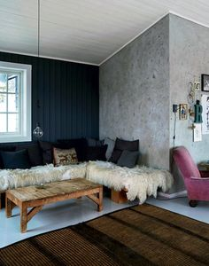my scandinavian home: The rustic Norwegian log cabin hide-away, Birgitta Wolfgang Drejer, Sisters Agency (relaxed Nordic living, concrete, natural collection) Style At Home, Home Furniture, Furniture Design, Western Furniture, Norwegian House, Norwegian Christmas, Kitchen Dining Living, Refuge, Home Again