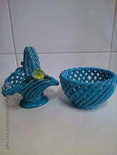 Conjunto de Dos Antiguas cestitas, cesta de porcelana decorativa, azul, con bonito trenzado, años 50