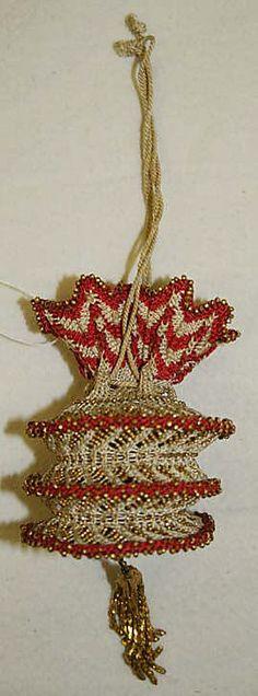 Reticule, 1810–25, European. Silk, metal. In the The Metropolitan Museum of Art collection.