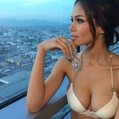 #cleavage #diamond #tanned #boobs