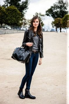 Chelsea Stiefel kombinieren: 30 Modetrends und Outfits - Page 31 of 33 - damen mode exklusiv. Black Chelsea Boots Outfit, Chelsea Boots Damen, Look Fashion, Winter Fashion, Fashion Outfits, Womens Fashion, Fashion Trends, Preppy Style, My Style