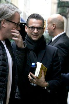Dave Gahan (Glasses and a book? YES PLEASE!!)