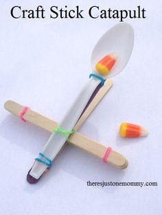 Kids love to build things. Kids love to fling things. Make this simple craft stick catapult and it is sure to be an instant hit with any child!