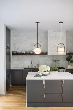 There is no question that designing a new kitchen layout for a large kitchen is much easier than for a small kitchen. A large kitchen provides a designer with adequate space to incorporate many convenient kitchen accessories such as wall ovens, raised. Interior Modern, Interior Design Kitchen, Home Design, Design Ideas, Midcentury Modern, Diy Interior, Design Styles, Design Trends, Design Inspiration