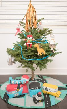 How cute is this little playroom Christmas tree?