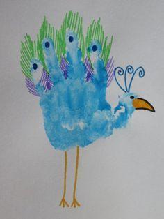 knutselen pauw kern 6 - Google zoeken Crafts To Do, Diy Crafts For Kids, Arts And Crafts, Animal Crafts For Kids, Toddler Crafts, Letter P Crafts, Kids Stamps, Jr Art, Footprint Art