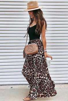 30 Stunning Summer Outfits To Wear Now what to wear with a maxi leopard skirt : straw hat black top slides beige bag Mode Outfits, Casual Outfits, Fashion Outfits, Womens Fashion, Fashion Trends, Long Skirt Outfits, Fashion Jobs, Fashion Hacks, Korea Fashion