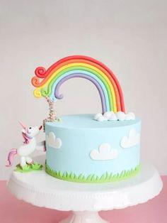 More unicorn magic never hurts: A slightly different unicorn cake + DIY picture instructions - perfect for every child& birthday cake decorating recipes kuchen kindergeburtstag cakes ideas Baby Cakes, Pretty Cakes, Cute Cakes, Fondant Cakes, Cupcake Cakes, Mini Cakes, Savoury Cake, Creative Cakes, Celebration Cakes