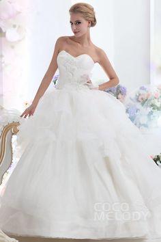 New+Style+Ball+Gown+Sweetheart+Chapel+Train+Organza+Wedding+Dress+CWLT1303B+ #weddingdress #cocomelody