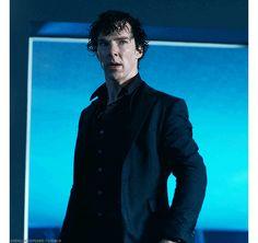 [GIF] SHERLOCK (BBC) ~ Benedict Cumberbatch. S4 E1 The Six Thatchers