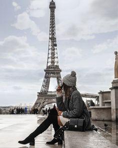 "If the Tour Eiffel is the symbol of Paris, the Cathédrale de Notre-Dame de Paris is its heart. Sitting on the banks of the Seine, this splendid architectural work of art is a guaranteed ""must-see"". Paris Pictures, Paris Photos, Travel Pictures, Eiffel Tower Photography, Paris Photography, Paris Wallpaper, Paris Outfits, Applis Photo, Triomphe"