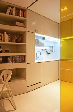 Intelligent and Hi-Tech Small Apartment With Mind-blowing Features [Video] - http://freshome.com/2011/02/17/intelligent-and-hi-tech-small-apartment-with-mind-blowing-features-video/