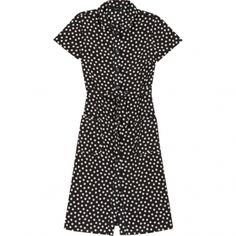 Agnes b: same old same old but why changing? A classy yet casual dress in great classic crepe fabric