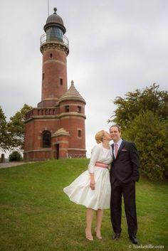 zartes 50er Jahre Brautkleid mit Petticoat und Rosa Gürtel mit Schleife (www.noni-mode.de - Foto: Hauke Hille)