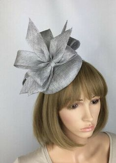 Silver Fascinator Grey Wedding Hatinator Mother of the Bride Ladies Day at Ascot Races Ocassion A Pretty Elegant pale grey hair fascinator perfect for a wedding outfit as Mother of the bride or guest, ladies day at the races, a tea party, Silver Fascinator, Royal Blue Fascinator, Navy Wedding Hat, Wedding Bows, Race Day Outfits, Races Outfit, Garden Party Wedding, Garden Parties, Race Day Fashion