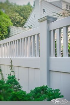 Who Makes the Best White Vinyl Fence? Illusions Vinyl Fence of Course! Are you shopping for white vinyl fence and wonder which brand you should choose? Diy Privacy Fence, Privacy Fence Designs, Outdoor Privacy, Diy Fence, Backyard Fences, Fence Ideas, White Vinyl Fence, White Fence, White Garden Fence