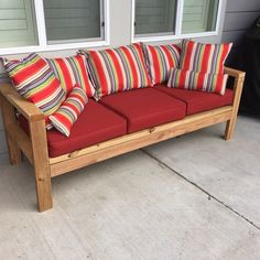 New diy outdoor couch cushions ana white ideas Outdoor Couch Cushions, Outdoor Furniture Sofa, Lawn Furniture, Furniture Plans, Outdoor Sofa, Outdoor Decor, White Outdoor Bench, Diy Sofa, Do It Yourself Home