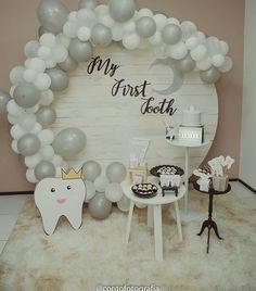 Round Panel – Party Trend - New Deko Sites Balloon Garland, Balloon Decorations, Birthday Decorations, Balloons, Deco Ballon, Tooth Cake, Baby Girl 1st Birthday, First Tooth, Birthday Design