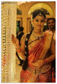 South Indian bride, bridal jewellery, kamar bandh, matha patti, kundan
