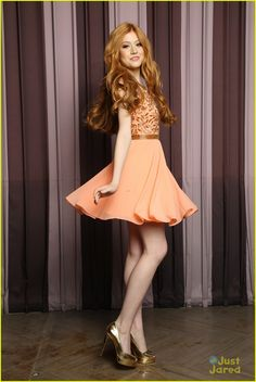 Welcome to Kat McNamara Daily. Your best source for all things Katherine Grace McNamara. Kat is best. Katherine Mcnamara, Pretty Redhead, Redhead Girl, Amy Johnson, Long Red Hair, Gorgeous Women, Redheads, Cute Girls, Dress Skirt
