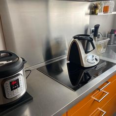 A tope estamos esta mañana!!! Nespresso, Coffee Maker, Kitchen Appliances, Instagram, Home, Board, Coffee Maker Machine, Diy Kitchen Appliances, Coffee Percolator