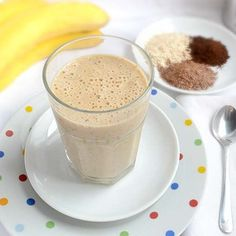 Diabetic Oatmeal Breakfast Smoothie Serves: 2  Ingredients  •1 cup uncooked oats (ground in spice or coffee grinder or food processor)  •2 frozen banana (cut into small chunks first)  •3 cup skim milk  •2 Tbsp ground flax-seed  •sugar substitute  •2 tsp. coffee extract (optional)  Instructions  1.Combine all ingredients and blend with blender, immersion blender or processor.  2.Pour into a glass and enjoy!