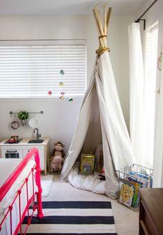 Childrens room Inspiration: Teepee Den with Faux Camp Fire Children's Bedroom with Teepee Den Elle Deco UK - modern children's roo. Decoration Design, Deco Design, Small Bedroom Designs, Living Room Designs, Diy Tipi, Cool Kids Rooms, Tent Decorations, Pink Room, Room Tour
