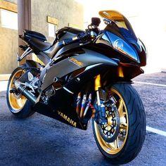 """via: @jtmarasa ____________________________ #yamaha #kawasaki #honda #suzuki #ducati #r1 #r6 #zx10r #ninja #cbr #gsxr #gixxer #panigale #evo #motorcycle…"""