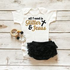 Got It From My Mama Onesie Sparkle Baby Girl Outfit with Ruffle Bottom Lace Bloomers Baby Girl Fashion, Kids Fashion, Babies Fashion, Toddler Fashion, Lila Baby, Outfits Niños, Baby Outfits, Newborn Outfits, Toddler Outfits