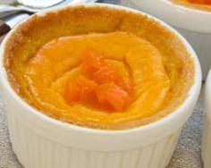 Flans d'abricots au micro-ondes : http://www.fourchette-et-bikini.fr/recettes/recettes-minceur/flans-dabricots-au-micro-ondes.html