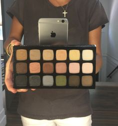 LimeLight by Alcone - NEW Eyeshadow Palette - The Feeling is Neutral | Mrs Emily Rigsby
