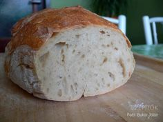 bukor_jolan_gyokerkenyer_olvasotol700 Healthy Homemade Bread, Bread Recipes, Cooking Recipes, Hungarian Recipes, Bread And Pastries, Baking And Pastry, How To Make Bread, No Bake Cake, Baked Goods