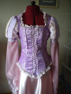 Rapunzel dress instructions! I don't like the sleeves... They aren't true to the movie.