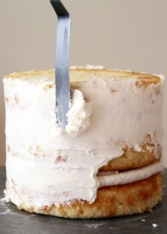 """How to ice a cake – """"Crumb-Coat"""" step would never have occurred to me."""