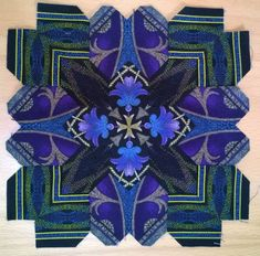 By Olga K from Kiev - Lucy Boston POTC block using border stripe mirror images Vintage Quilts Patterns, Quilt Patterns, Hexagon Pattern, Pattern Blocks, Millefiori Quilts, Cross Quilt, Star Quilt Blocks, Sampler Quilts, Foundation Piecing