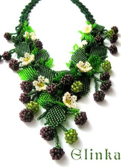 beaded flowers and foliage    http://beadsmagic.com/wp-content/uploads/2012/10/235.jpg