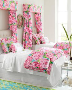 LILLY PULITZER HOME EXCLUSIVELY FOR GARNET HILL So happy together: retro-inspired Lilly prints and long-staple Egyptian cotton percale. Each mix-and-matchable pattern has its own iconic style, yet complements the others perfectly — just like sisters!