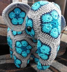 Elephant african flowers (Credits for the pattern to Anne Rutgrink, with necessary adjustments though!) - Crocheting Journal