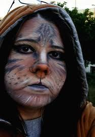 Interesting take on cat makeup. Not sure I love this style of contouring, but there are some interesting ideas here.