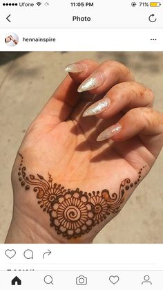 This was the only clean space I had on my hand 😂 my hands always have little henna stains on them 😁 Henna Hand Designs, Mehndi Designs Finger, Stylish Mehndi Designs, Mehndi Designs For Fingers, Mehndi Design Images, Mehndi Art Designs, Beautiful Henna Designs, Henna Tattoo Designs, Henna Flower Designs