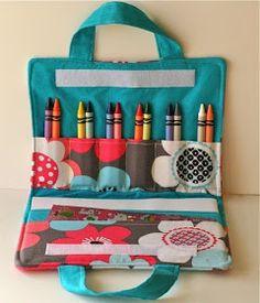 Cute things to sew: Maleta de tela para pinturas. Crayon and coloring book carrier.