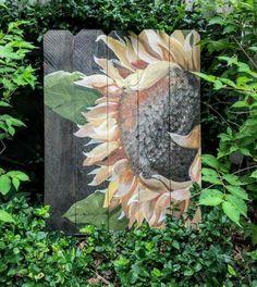Landscaping Ideas Around Patio Product Garden Fence Art, Garden Mural, Tole Painting, Painting On Wood, Fence Painting, Sunflower Art, Pallet Art, Outdoor Art, Garden Crafts