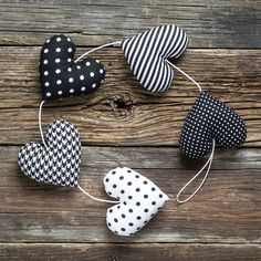 Bunting – Heart garland, 5 black and white hearts – a unique product by…