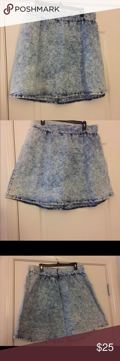 "Charlotte Russe Denim Skirt Acid wash denim skater skirt BNWT waist 18"" hips 25"" length 20"". 70% cotton 28% polyester 2% spandex Charlotte Russe Skirts Circle & Skater"
