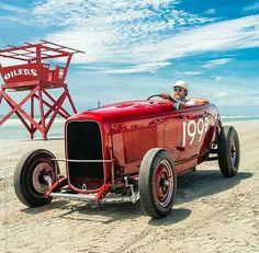 Pismo beach Vintage Cars, Antique Cars, Vintage Auto, Pismo Beach California, 32 Ford, Kustom Kulture, Automotive Art, Le Mans, Hot Rods