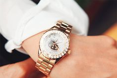 Gold Hello Kitty watch